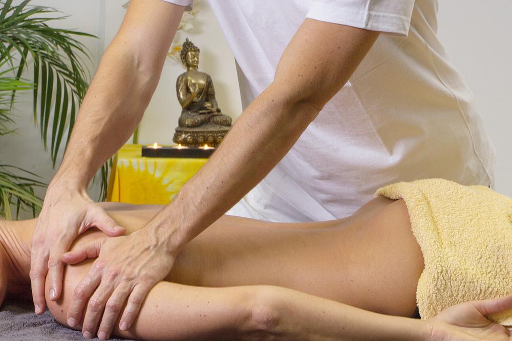 Масаж от екип незрящи масажисти